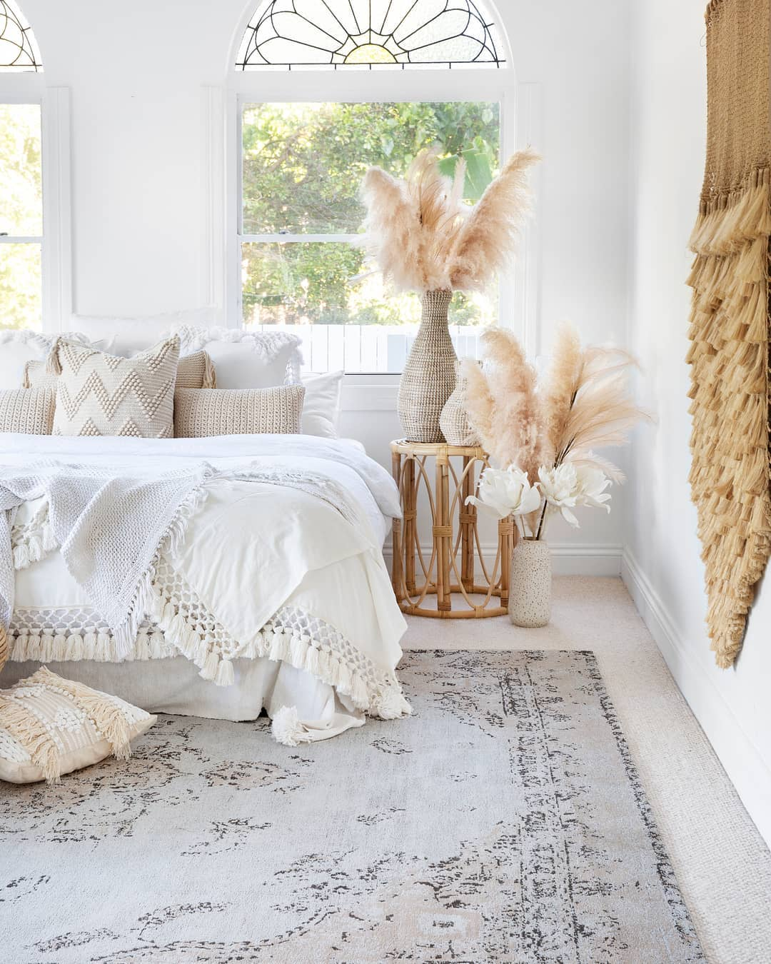 Helena White And Peach Turkish Style Distressed Rug